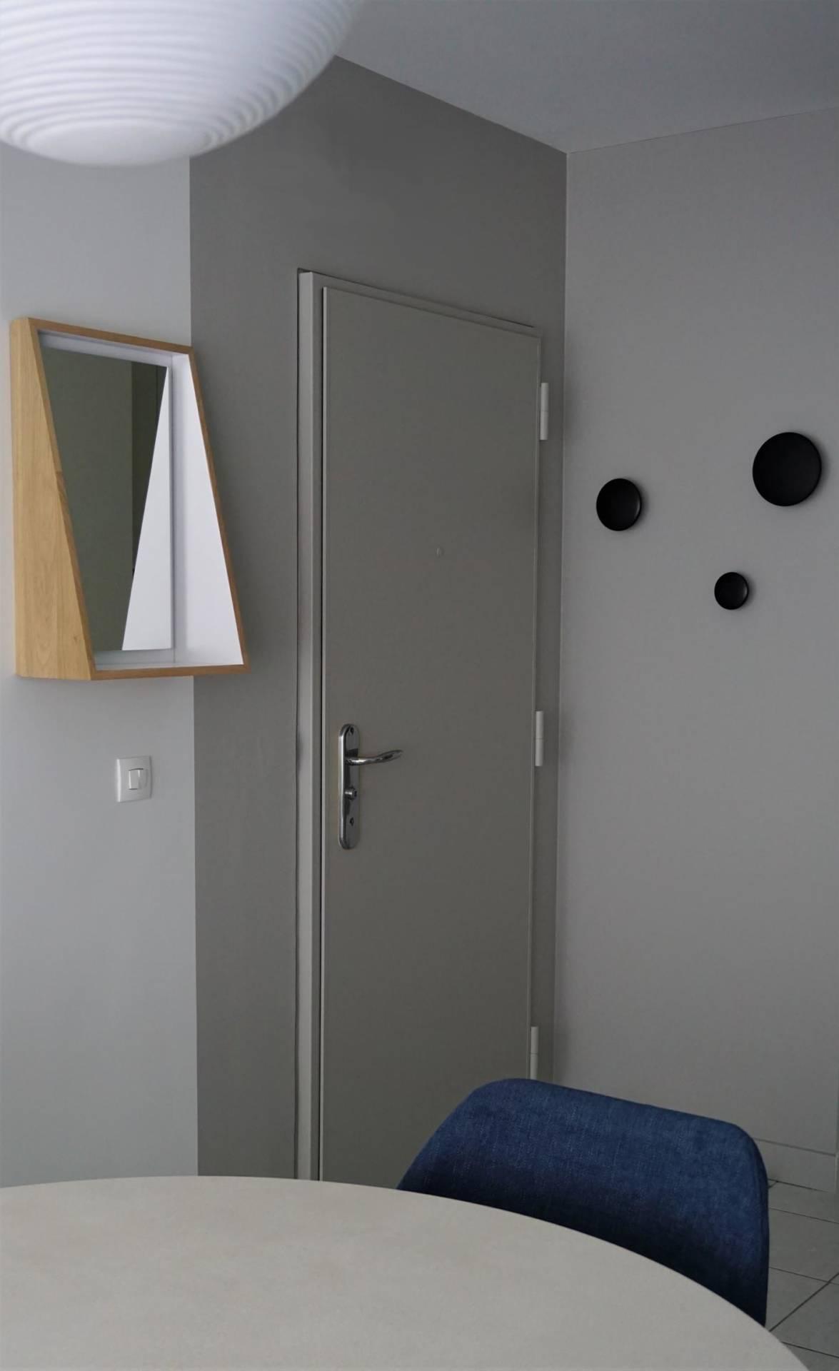 Décoration entrée par Anne Solenn Chérat, Décoratrice UFDI sur Lorient, Vannes, Pontivy : appartement bord de mer.